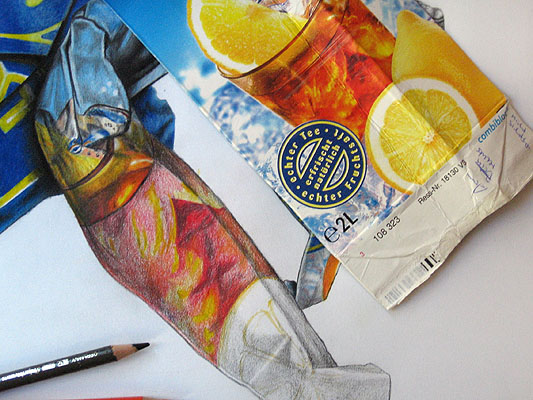 drawing the ice tea glass with crayons